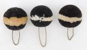 3 Pompons schwarz mit weissem Ring #2123