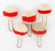 5 Pompons weiss mit rotem Ring #2120